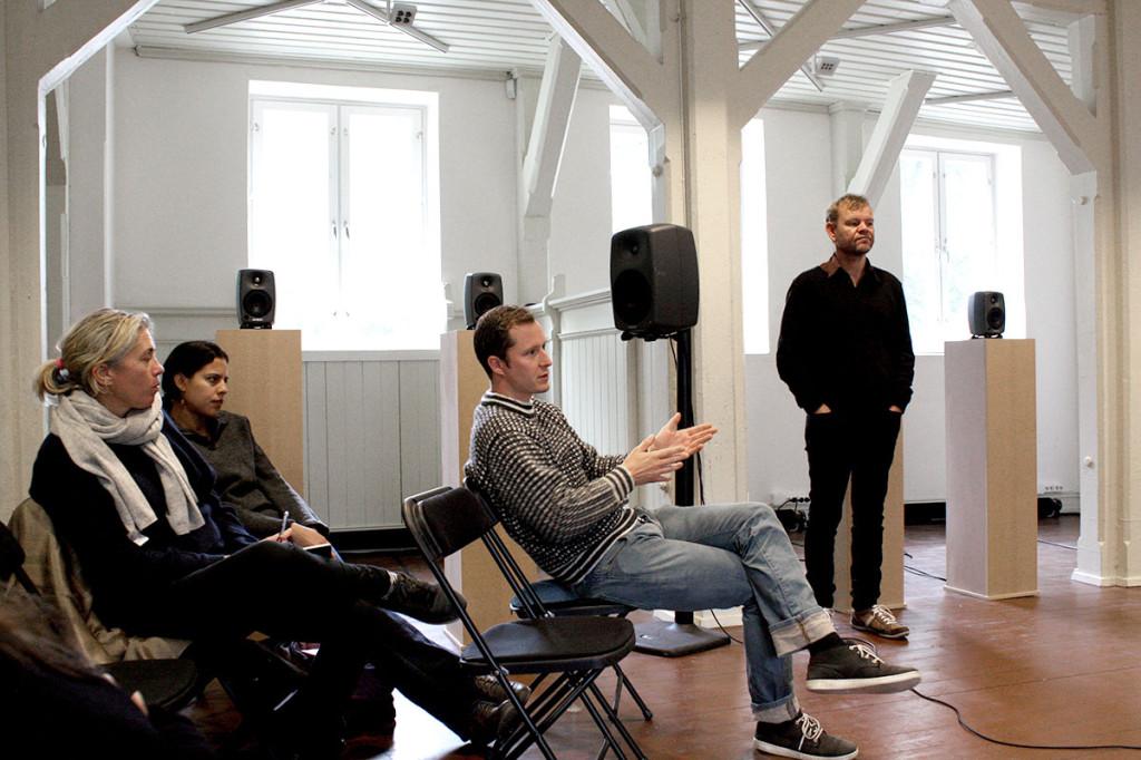 I diskusjonen etter foredraget ble blant annet de filosofiske aspektene ved den digitale kunsten berørt. Foto: Anne Marthe Dyvi
