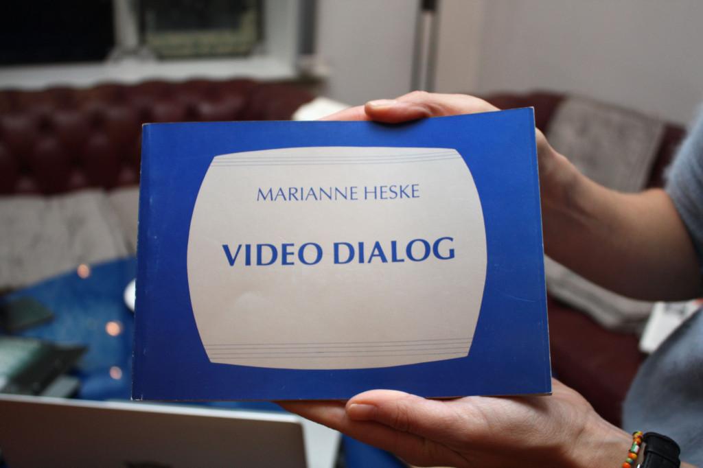 Katalogomslaget til Video Dialog. Foto: Anne Marthe Dyvi