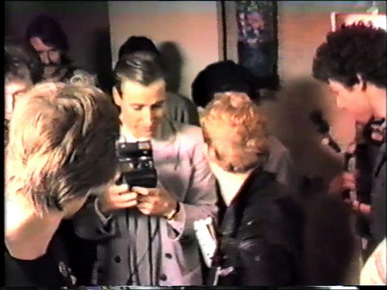 Morten Børresen, stillbilde fra videoen Toilet Mirror, 1983