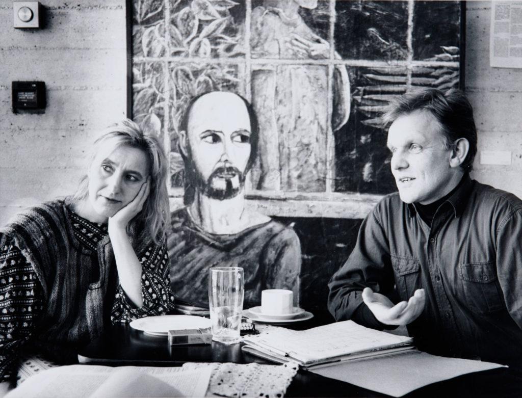 Inghild Karlsen og Willie Flindt i Tromsø mellom forestillingene av The Polygonal Journey i Tromsø, 1990. Foto: Eivind Vorland